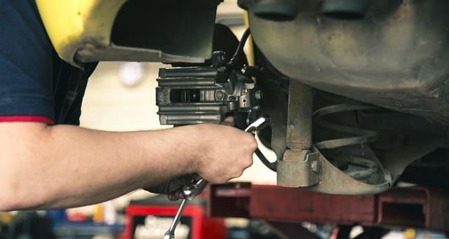 ブレーキ 異音 修理費用 交換費用