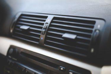 車 ACボタン