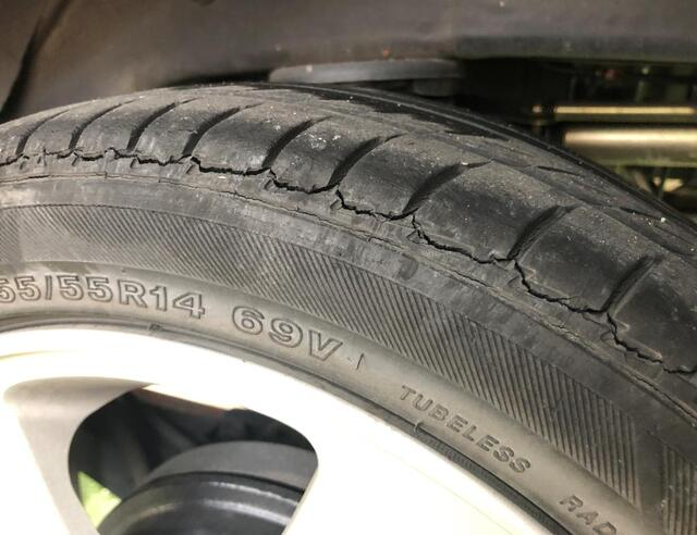 タイヤ ひび割れ 補修