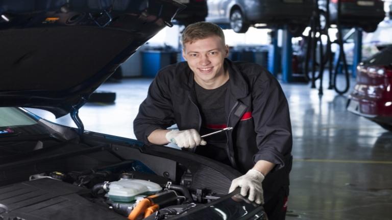 車検費用が安い業者の選び方とは?比較ポイントと費用を抑える方法