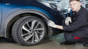 【車のタイヤ】パンクの簡単な見分け方と原因を完全解説