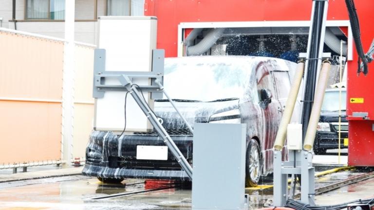 【ガソリンスタンドでの洗車】手洗い・洗車機の使い方と料金比較まとめ