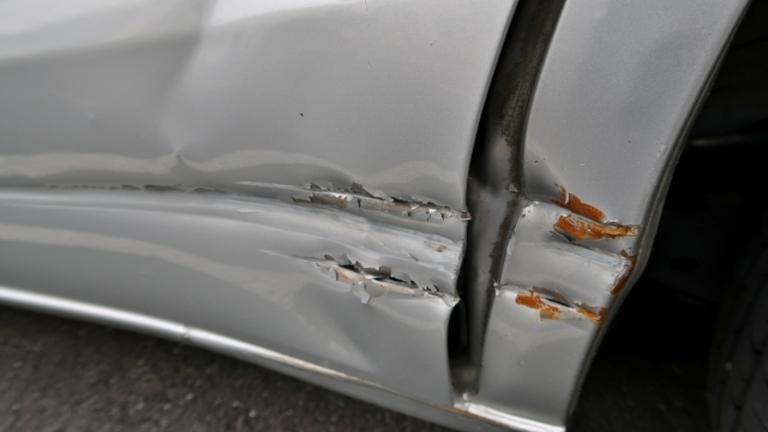 車の板金修理の相場は高い?実際にかかる費用を部分別にご紹介