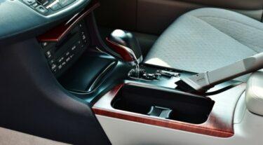 車内清掃のための車用掃除機10選|選び方のポイントとは?