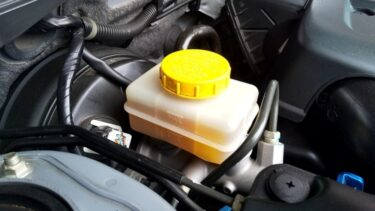 エンジンオイル添加剤のおすすめ10選|失敗しない選び方も紹介!